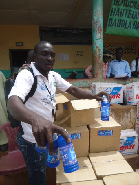 Ebola - Sur'eau, a water purification solution, is one of the hygiene supplies ChildFund provided in Guinea.