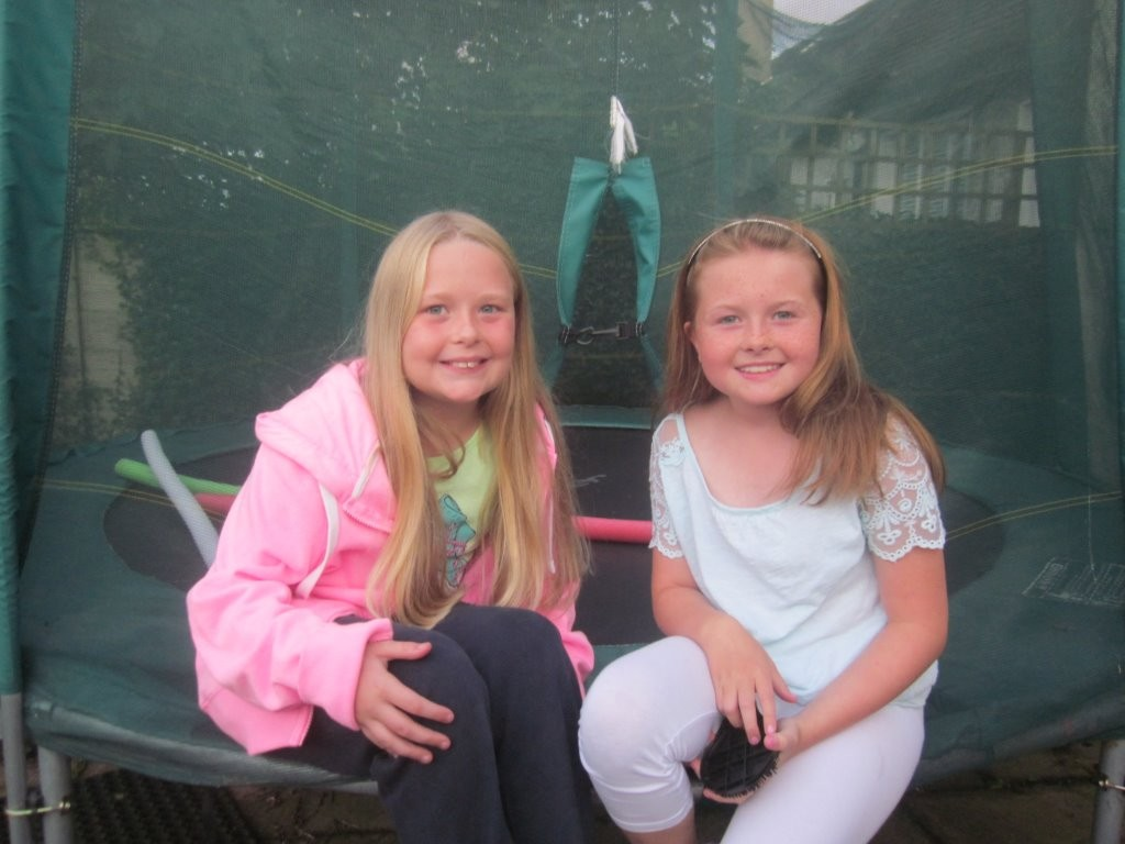 Hannah & Alannah (both 10) from Ireland