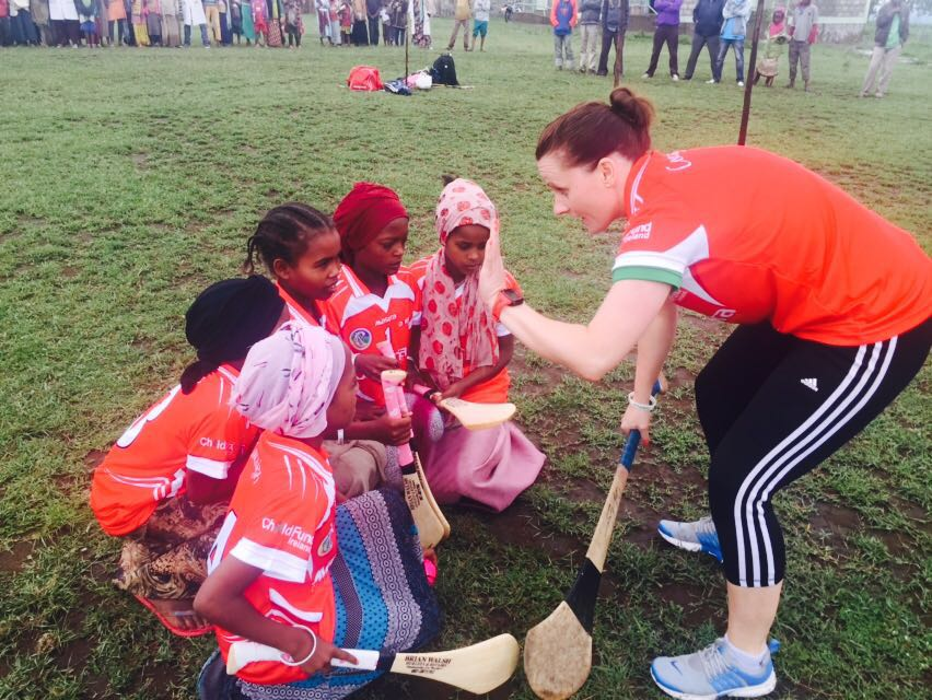 Aoife Murray Coaches Girls Ahead of Camogie Game, Siraro, Ethiopia